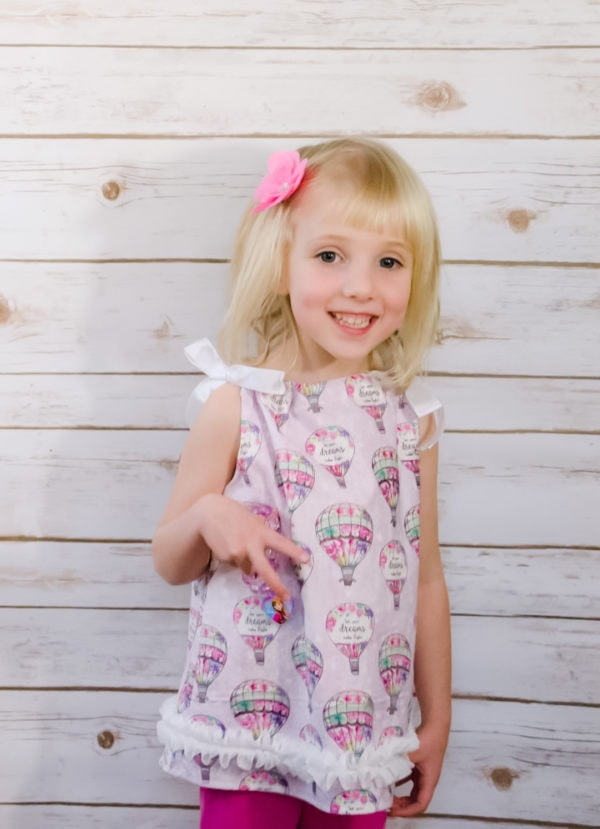 This girls pillowcase top pattern will teach you how to sew a Pillowcase Top for a baby girl. Super quick and easy, a great beginner sewing project.